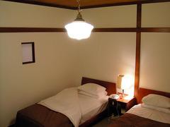 KICX2395_ホテルの部屋.jpg