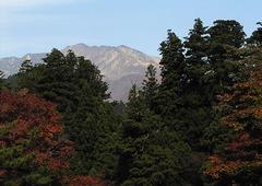 KICX2440_ホテルから山.jpg
