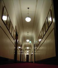 KICX2417_ホテル廊下.jpg